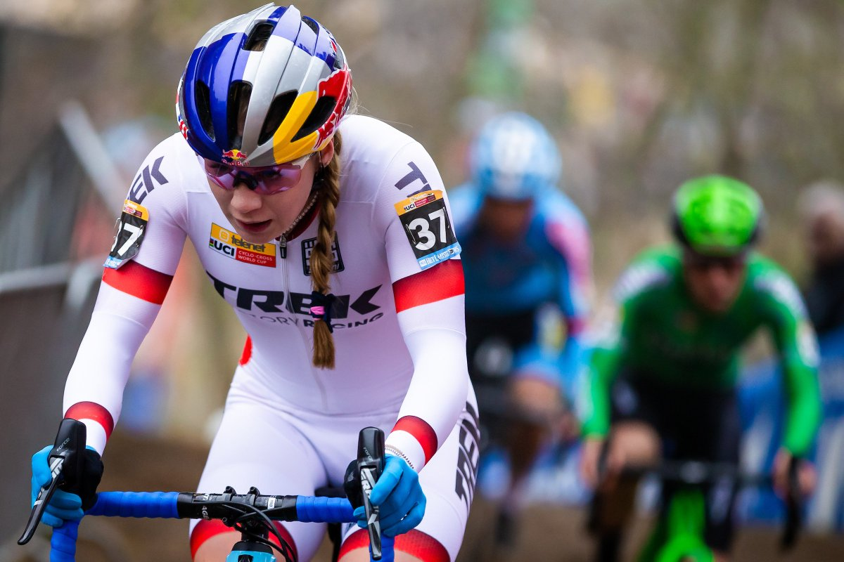 👏 A superb return to World Cup action following knee surgery for @eviee_alicee   The Trek Factory Racing rider comes 12th in the women's U23 cross-country race at the @UCI_MTB World Cup in the Czech Republic - congrats Evie! 👊  [📸: @swpixtweets]