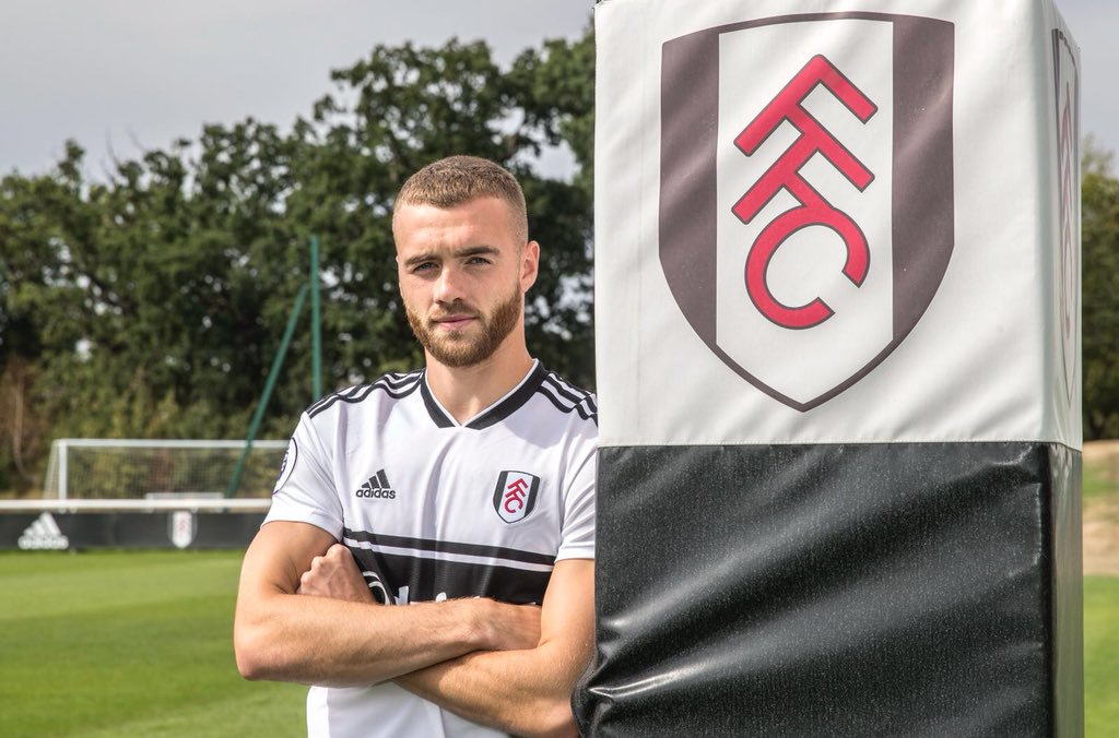 Chambers has won Player of The Season at Fulham! #afc <br>http://pic.twitter.com/V357rycURa