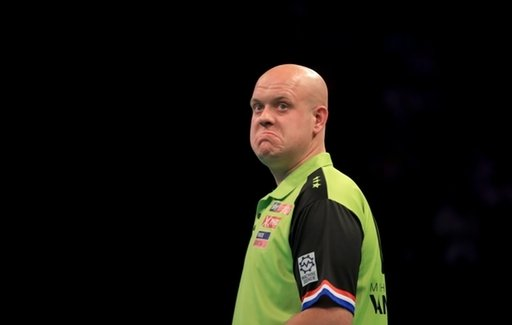 🎯More Darts action this evening as the Dutch Masters continues.  MVG Daryl Gurney Michael Smith Peter Wright Mensur Suljovic  ...all in action!  Markets: http://corl.me/Ad8flC