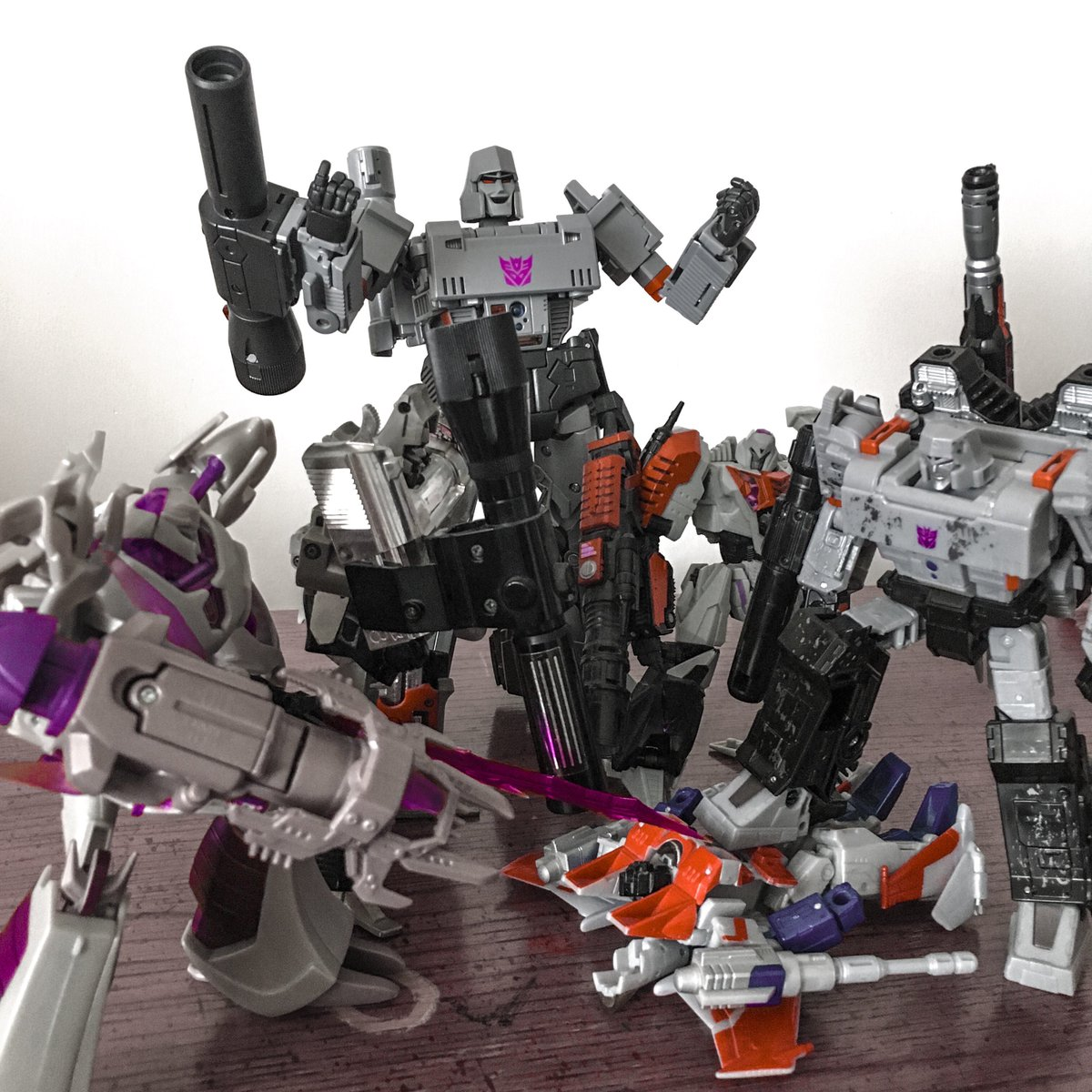 I have MEGATRONS for days! And #Starscream doesn't look too happy about it!.#MP36Megatron #MasterpieceMegatron #Megatron #Decepticons #WarForCybertron #SIEGE #G1 #iLoveThe80s #80sBaby #ManChild #NerdLife