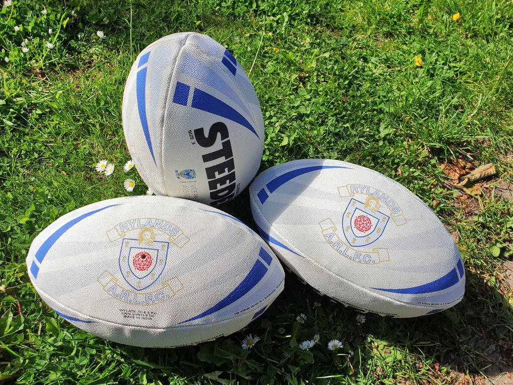 Another good session with these superstars this morning in the sun. Love being involved helping to coach them! 🏉 @Rylands_Sharks #Cubs #Newbies #gosharks