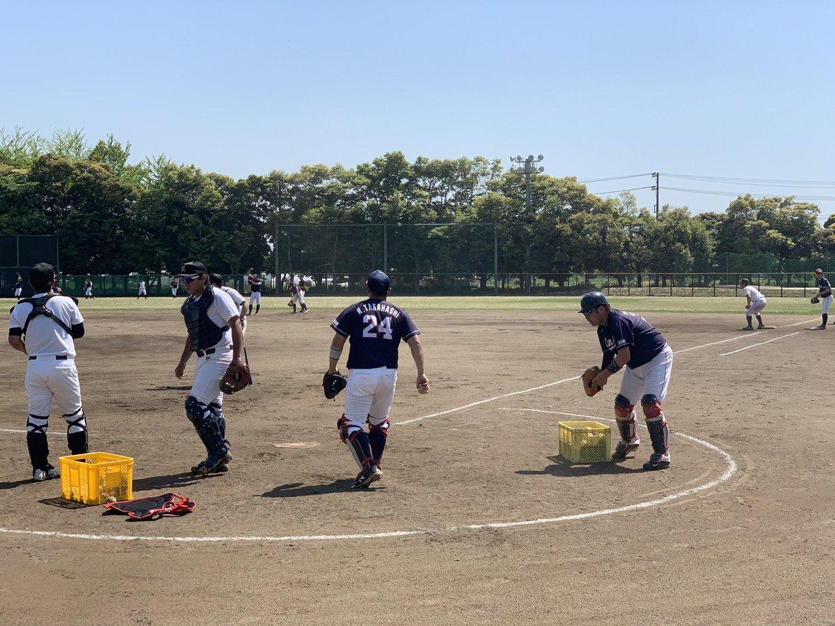 【5/25活動報告】  本日はヌーベルBBCさんと合同練習を行いました。実戦形式をメインに活気ある1日となりました。  #社会人野球 #横浜金港クラブ #己に克つ