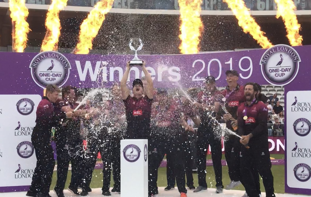 Every single one of the @SomersetCCC team played their part in this victory. From that first Davey wicket to Hildreth's winning runs, it was a huge team effort. Coaches and other staff all contributed. My nerves are wrecked, my voice has gone - I'm broken. Heaven. 🏏🏆