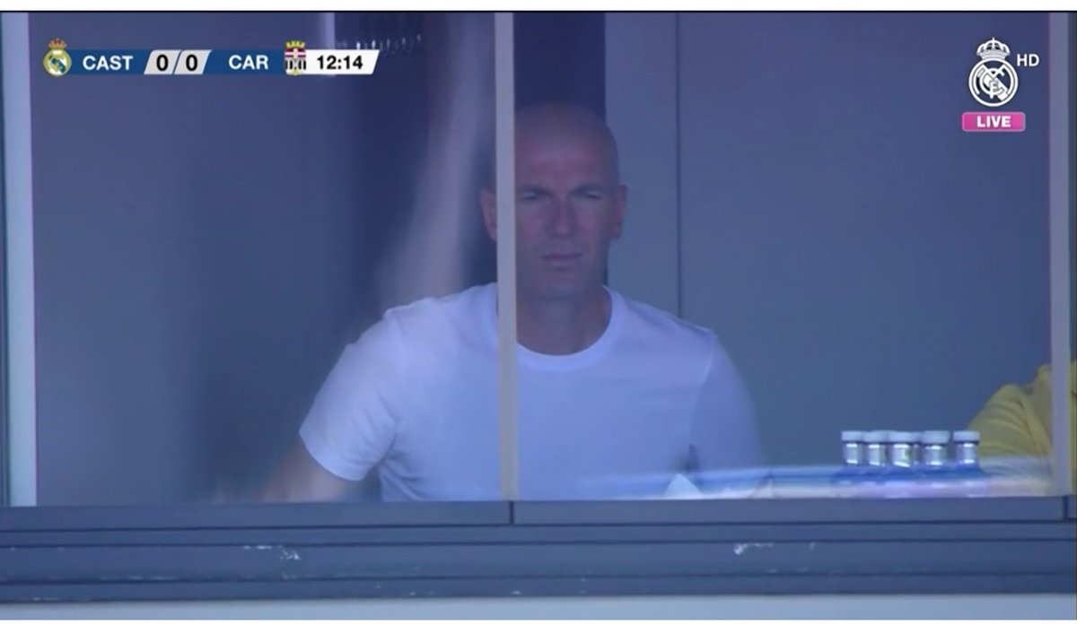 Zidane would be in France according to media? He&#39;s in place at Alfredo Di Stéfano Stadium. <br>http://pic.twitter.com/bCURuYNuFn