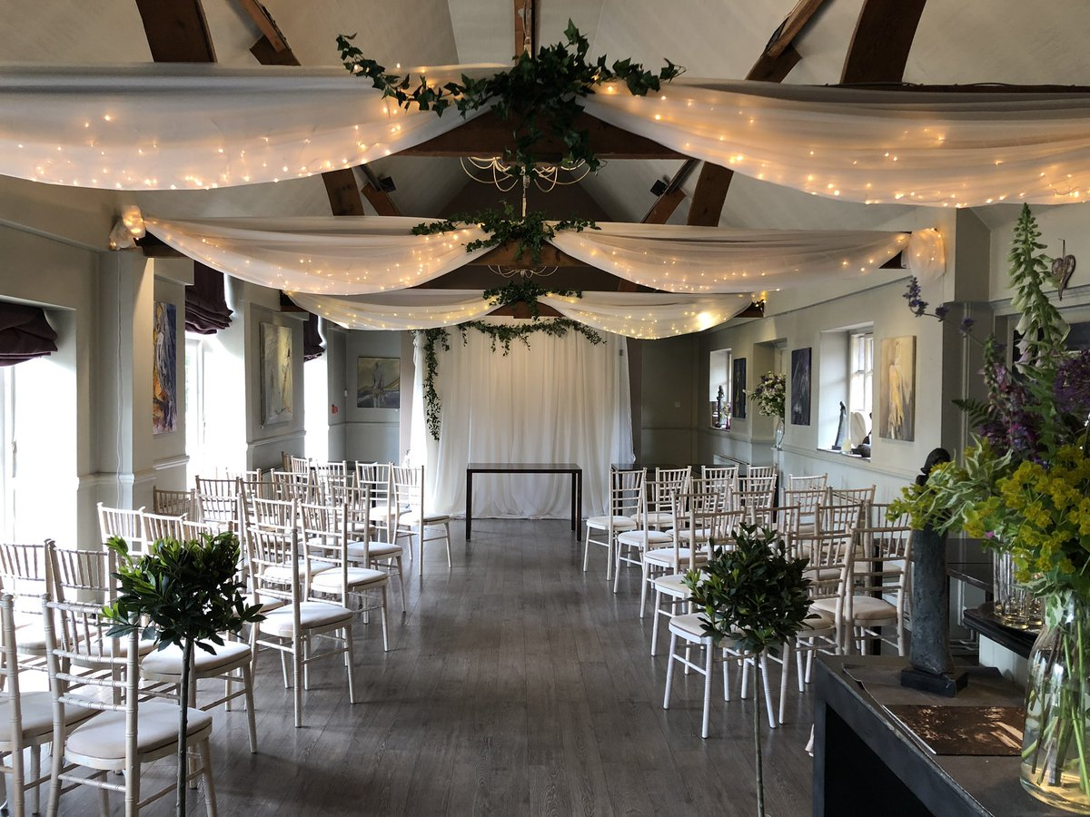 @Jeremysrest today! #weddingceremony #weddingdecor #weddingdrapes #ivy #greenerygarland<br>http://pic.twitter.com/K0ya61xNzW
