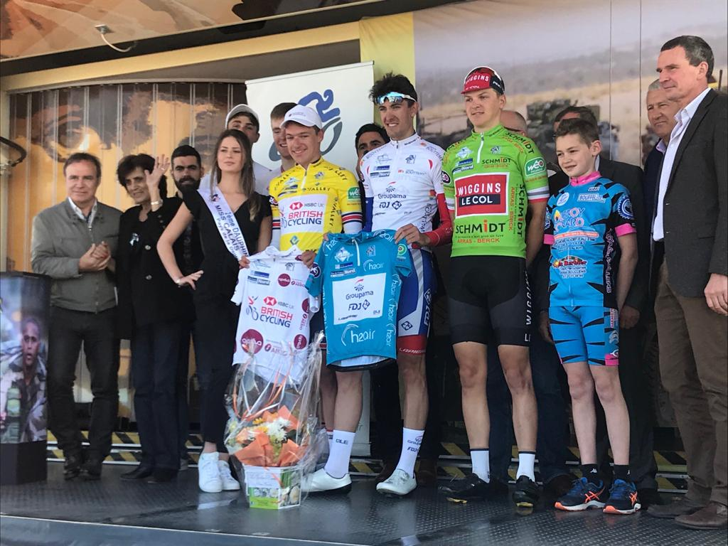 It's a win for @ethan_hayter at stage two of A Travers les Hauts de France and he takes the overall lead! 🏆  He attacked on the final climb after returning from a bike change! 💪  A great team effort after @wallsey_98 got 2nd yesterday in stage 1!   (📸 @groupamafdj_ct)