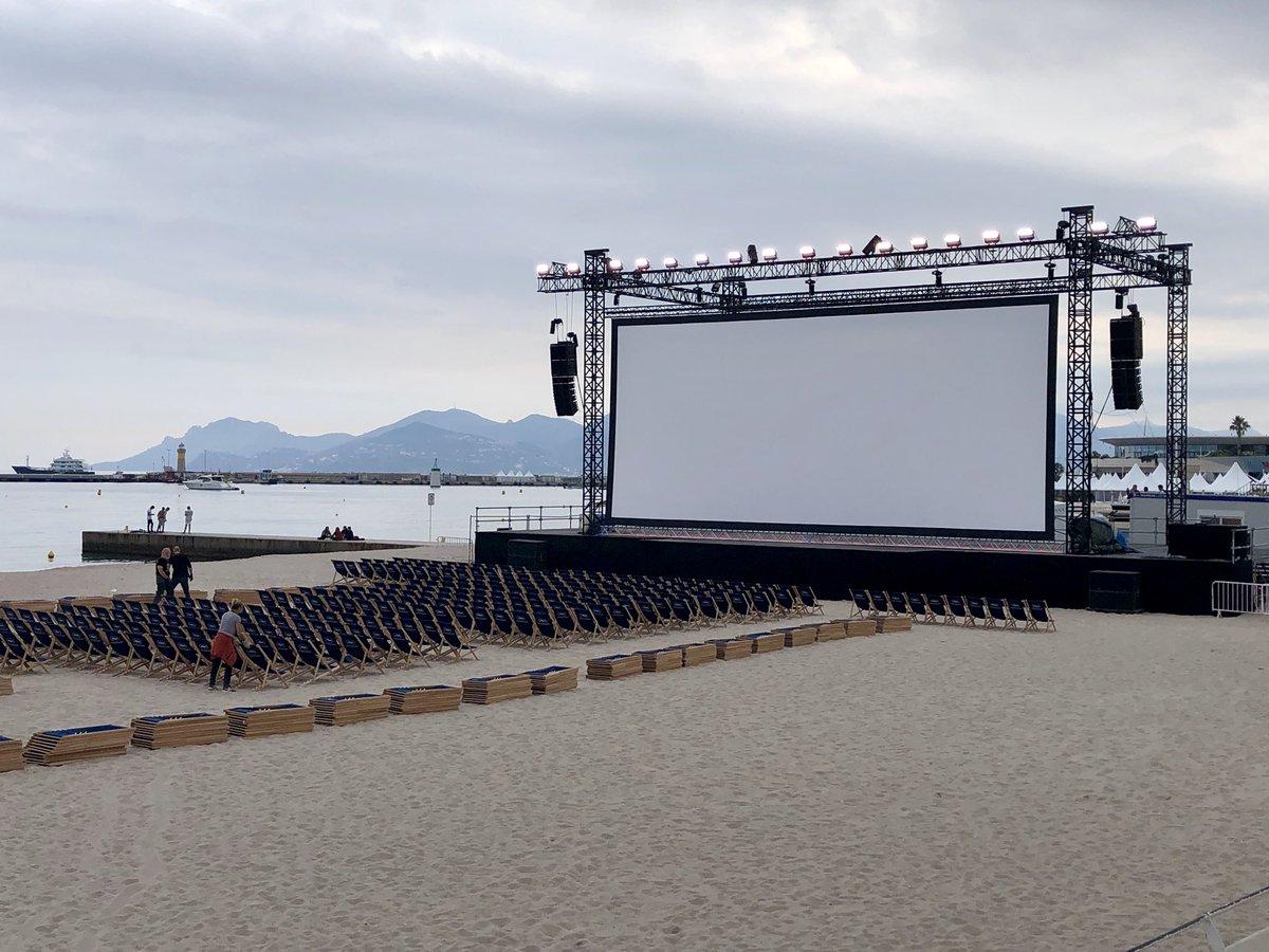 Ce soir dernière séance du #Cinémadelaplage avec The Doors d'Oliver Stone! See you next year! @villecannes @Festival_Cannes @CannesPalais @davidlisnard @claireannereix @TdePariente @lucb067 @Sandra_Sanchez6 @magalie_t @frankchikli @MireilleBoissy @cannes_michel @sophiemouysset