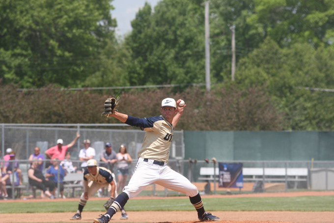 The @Baseball_UIS team is tied 3-3 with Ashland University right now in the bottom of the sixth inning in Game 2 of the NCAA Division II Super Regional! @UISAthletics #StarBoys #ProtectThePrairie   Live Stats:  https://t.co/Q4PHRfyuL8 Live Stream: https://t.co/MmOblMPtSt https://t.co/WFOnv071wp