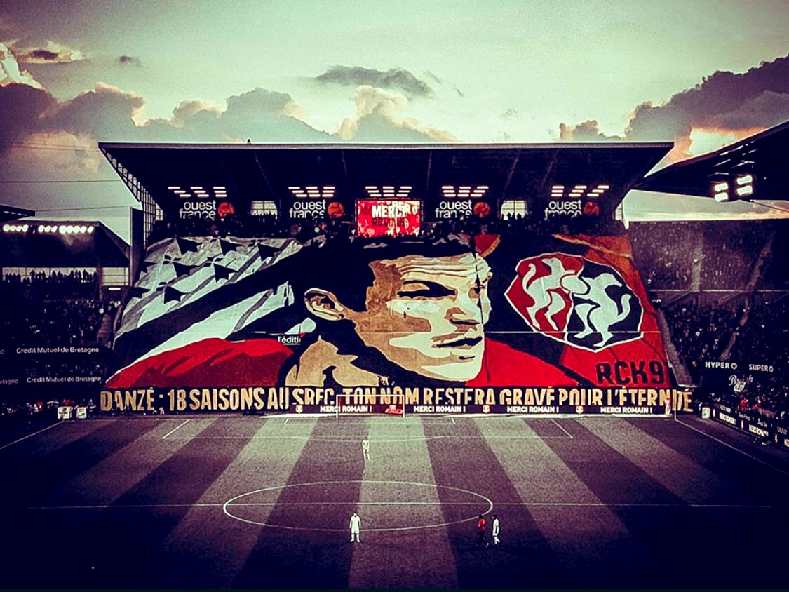 @Ladanze29 You're such a legend.  #mmlove #StadeRennais <br>http://pic.twitter.com/HVfoWdEoxK