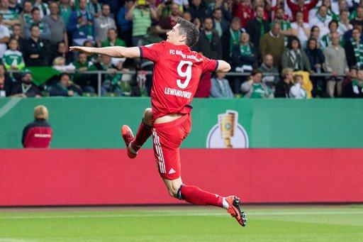 Robert Lewandowski gives Bayern the lead over Leipzig!