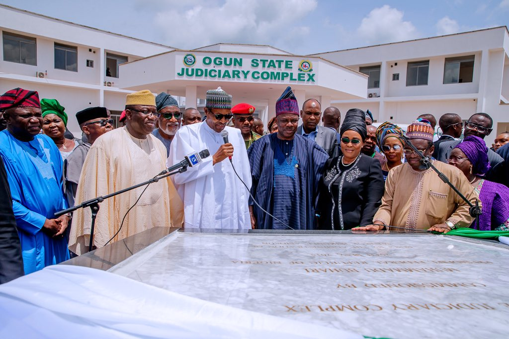 D7bw PXW0AE71mr - Photos: Buhari in Ogun to commission infrastructural projects