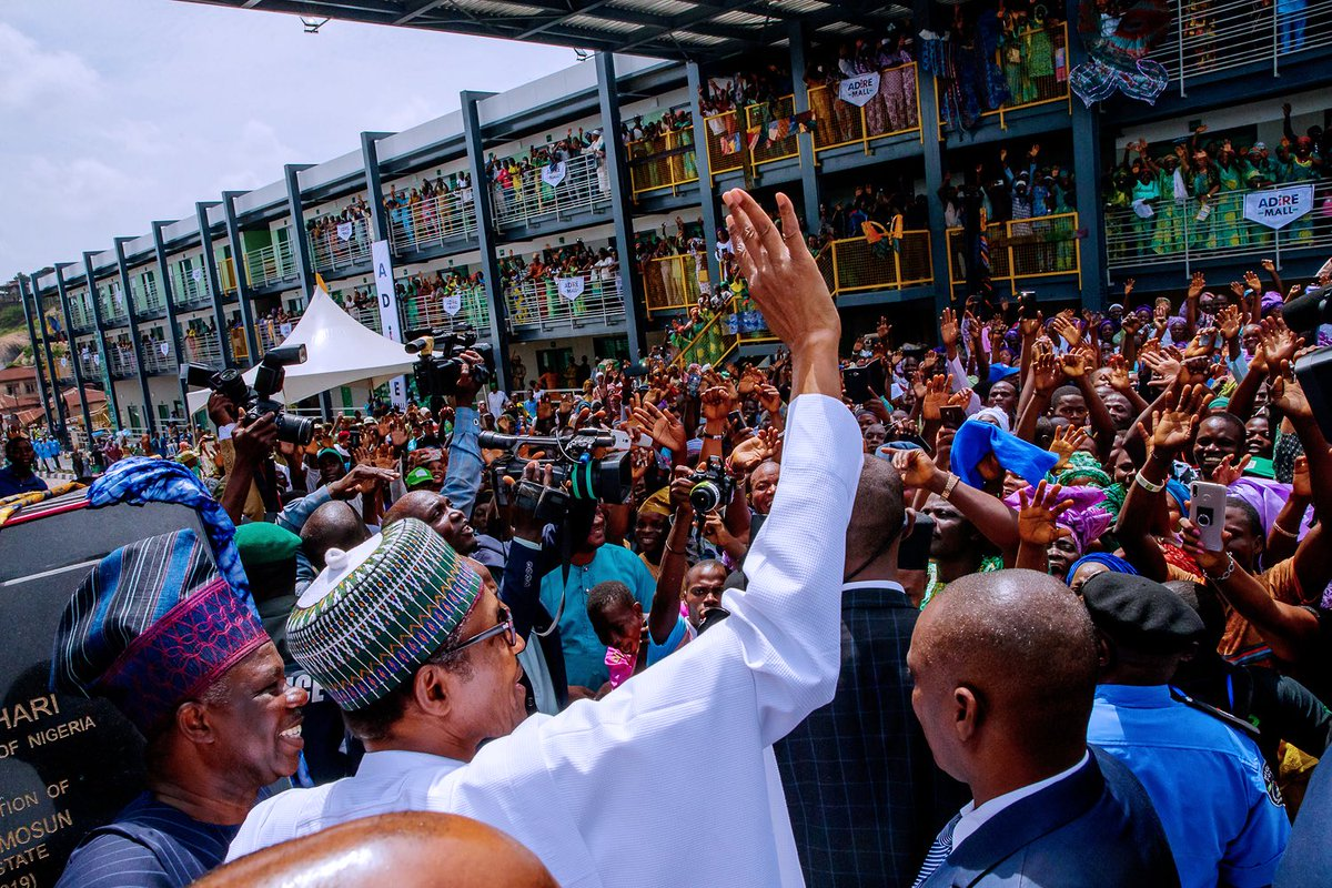 D7bxwcYWkAAi9lB - Photos: Buhari in Ogun to commission infrastructural projects