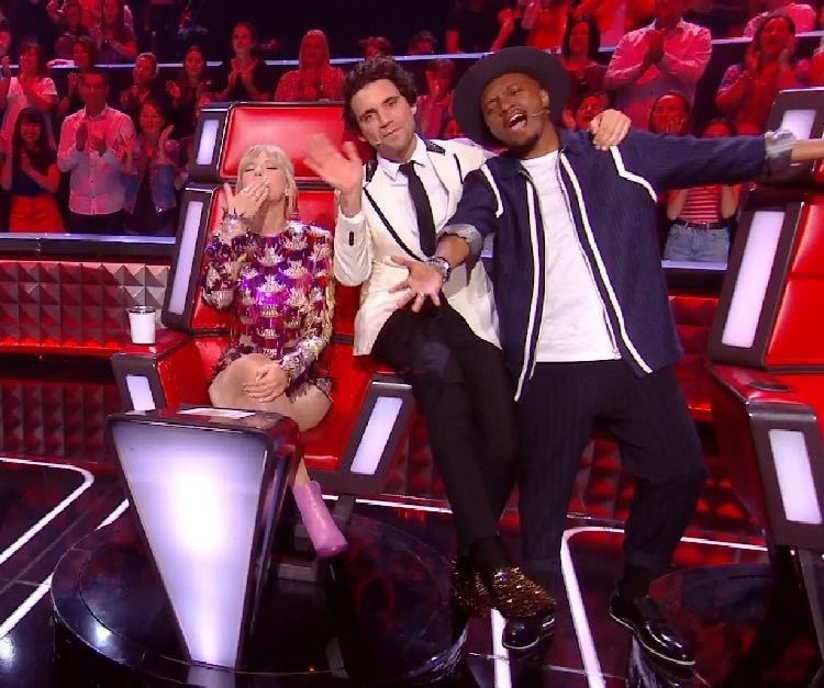   Taylor at @TheVoice_TF1 in France today! <br>http://pic.twitter.com/06K94Oo2bO