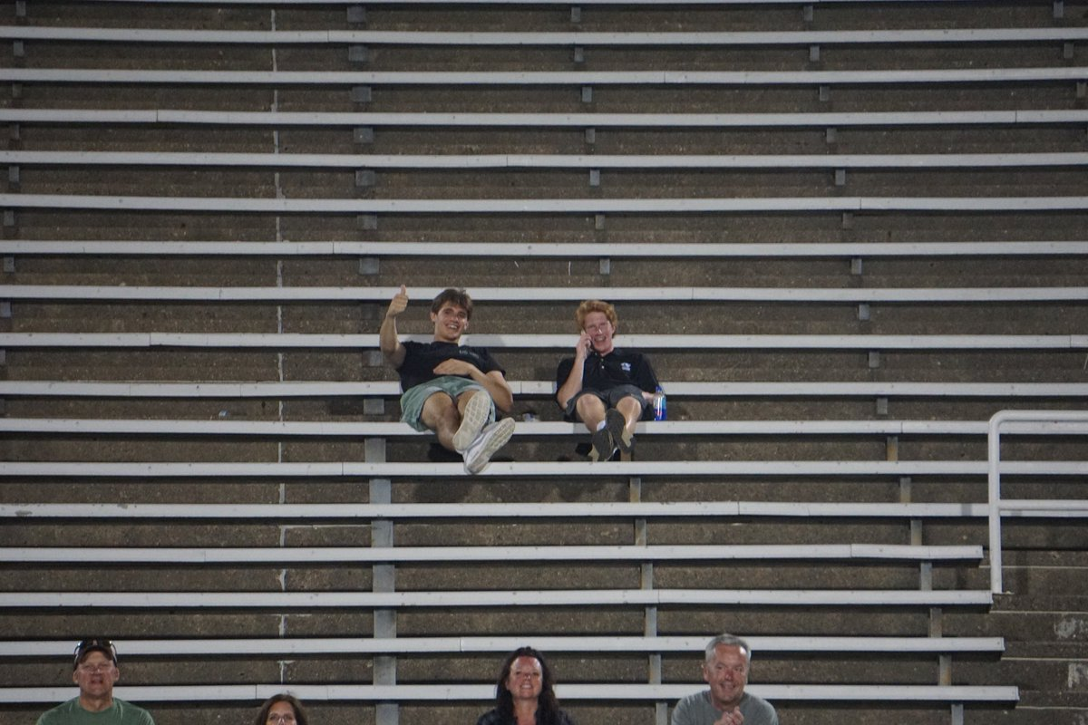 Cej and Red Oak watching Race at State. Both were baseball players until their junior year when they switched to track. Cekay is a D1 wide receiver. Kean started on the varsity soccer team. Both are State track qualifiers. Love our #multisport athletes! <br>http://pic.twitter.com/UoxqcSWvwl