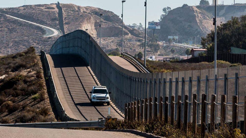 La Justicia frena el plan de Donald Trump para construir un muro en la frontera con México y habrá apelación http://www.telam.com.ar/notas/201905/361245-muro-mexico-trump-justicia-freno-mexico-eeuu.html…