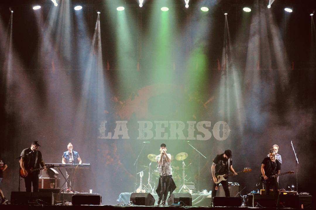 """La Beriso celebra 20 años con una versión mariachi de """"perdóname"""" y una gira por Latinoamérica https://cablera.telam.com.ar/cable/785126/la-beriso-celebra-20-anios-con-una-version-mariachi-de-perdoname-y-una-gira-por-latinoamerica…"""