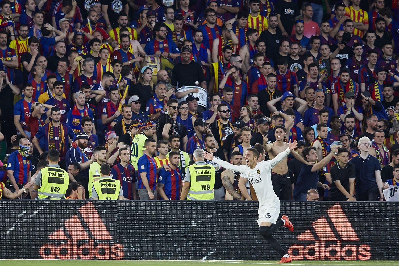Финал Кубка Испании. Барселона - Валенсия 1:2. Воздушный поцелуй, или Прощай, Вальверде?! - изображение 5