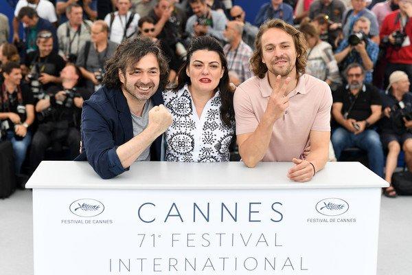 مرور عام على المشاركة في #مهرجان_كان_السينمائي الدورة 71 والترشح لجائزة لجنة التحكيم بفيلم #قماشي_المفضل  One year of participation in the #CannesFilmFestival2018 at the 71st session and nominated for #my_favorite_fabric_film #saad_lostan #Mon_tissu_préféré #анзорей #سعد_لوستان https://t.co/HJvveta9IS