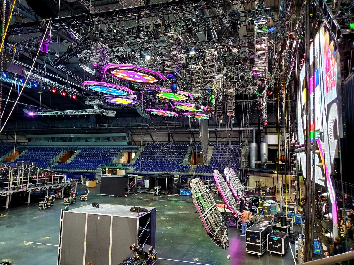 Getting ready for opening night of the European Tour in #Leipzig, #Germany. #EndOfTheRoad<br>http://pic.twitter.com/L93CAR88cZ