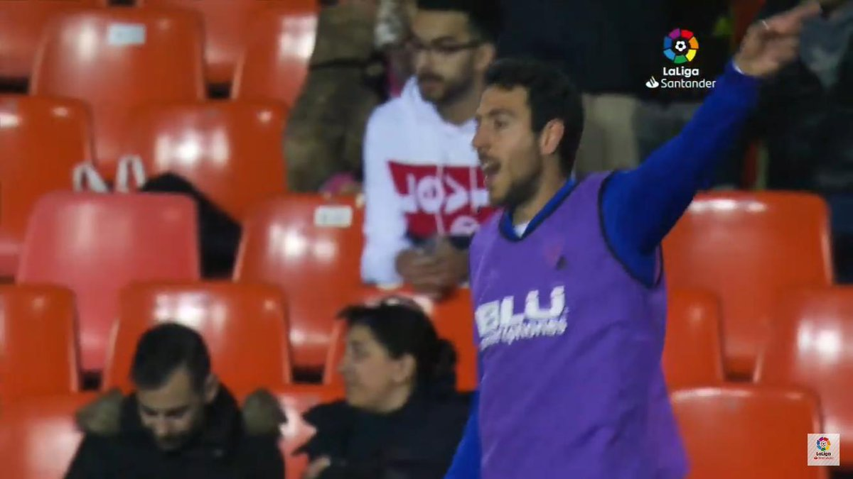 Got a picture with captain fantastic Dani Parejo when I went to watch Valencia vs Real Madrid last month... well I say I got a picture with him. #CopaDelRey @valenciacf_en https://t.co/6Ibm1jYoTu