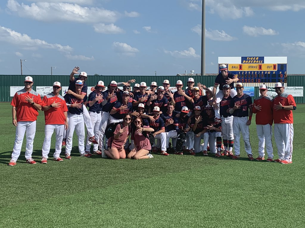 BRONCOS HAVE DONE AGAIN!!  Bi District Champs  Area Champs  Regional Quarter Finals Champs  Regional Semifinals  moving on....  #RoadToState #neverquit @Boyd_Red_Nation @Boyd_BNN @HSwfaa @6ATxHSBaseball<br>http://pic.twitter.com/BUuTjGnBrZ
