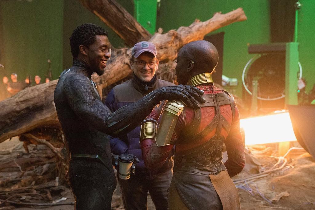 #AvengersEndgame  Director Anthony Russo on set of #Endgame  with actor Chadwick Boseman #BlackPanther  and Danai Gurira #Okoye .<br>http://pic.twitter.com/lAdMbg88aP
