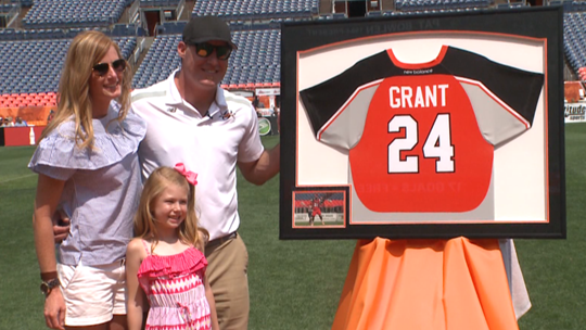 John Grant Jr. to come out of retirement, play for @DenverOutlaws  http://www. 9news.com/article/sports /john-grant-jr-to-come-out-of-retirement-play-for-denver-outlaws/73-029faa54-26ea-4fec-9a90-ef7847d46dc2 &nbsp; …   #9sports @JohnGrantJr24<br>http://pic.twitter.com/m9O3yZKbi1