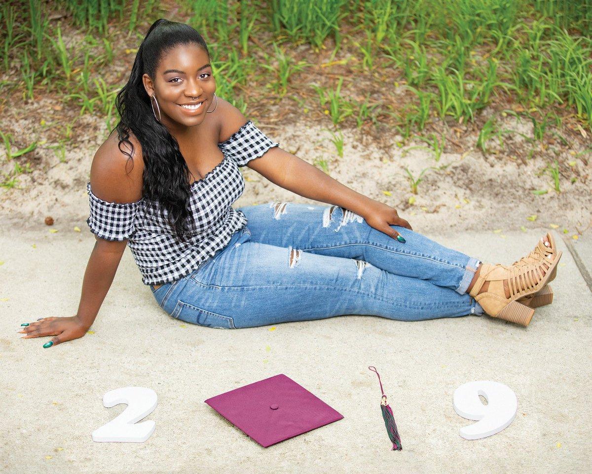 Ya girl is graduating ✨🙏🏾Next stop Pittsburgh !!! #classof2k19 #h2p #blessed