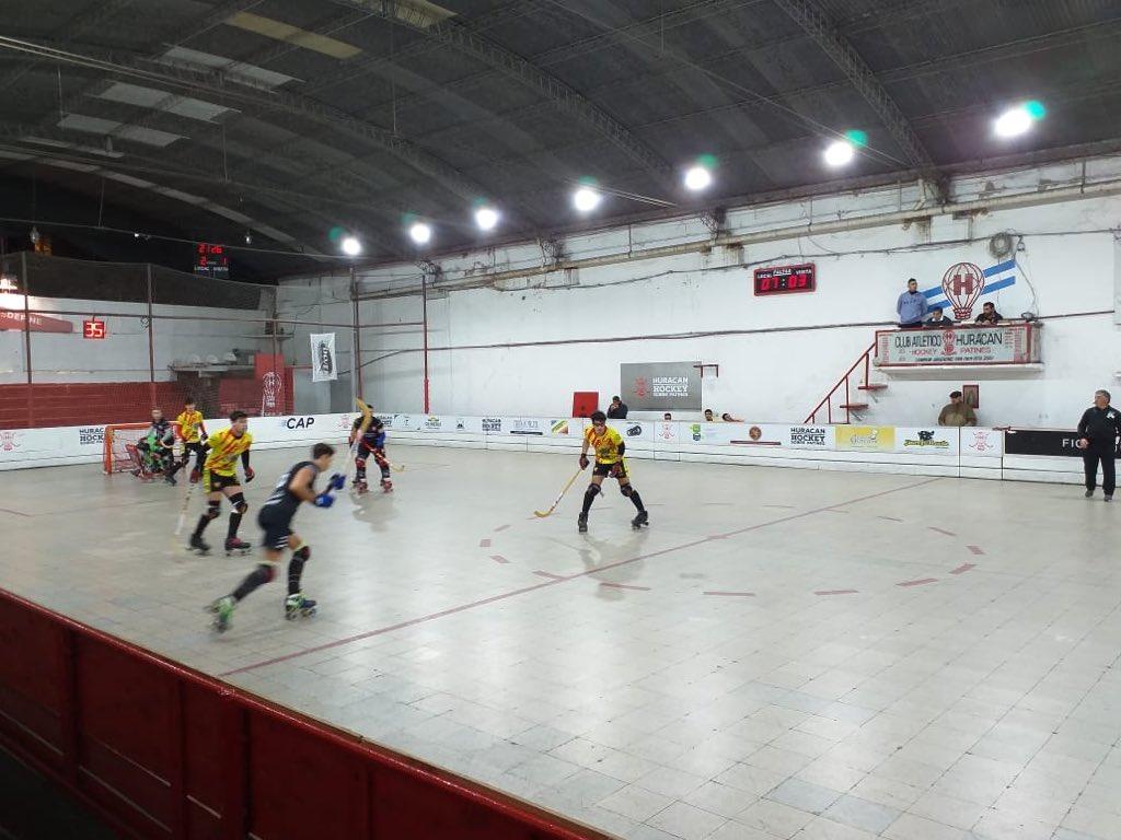 #HockeySobrePatines #LigaA1 #Huracán venció a #Murialdo por 2-1. Los tantos quemeros fueron marcados por Eduardo Barreiro.