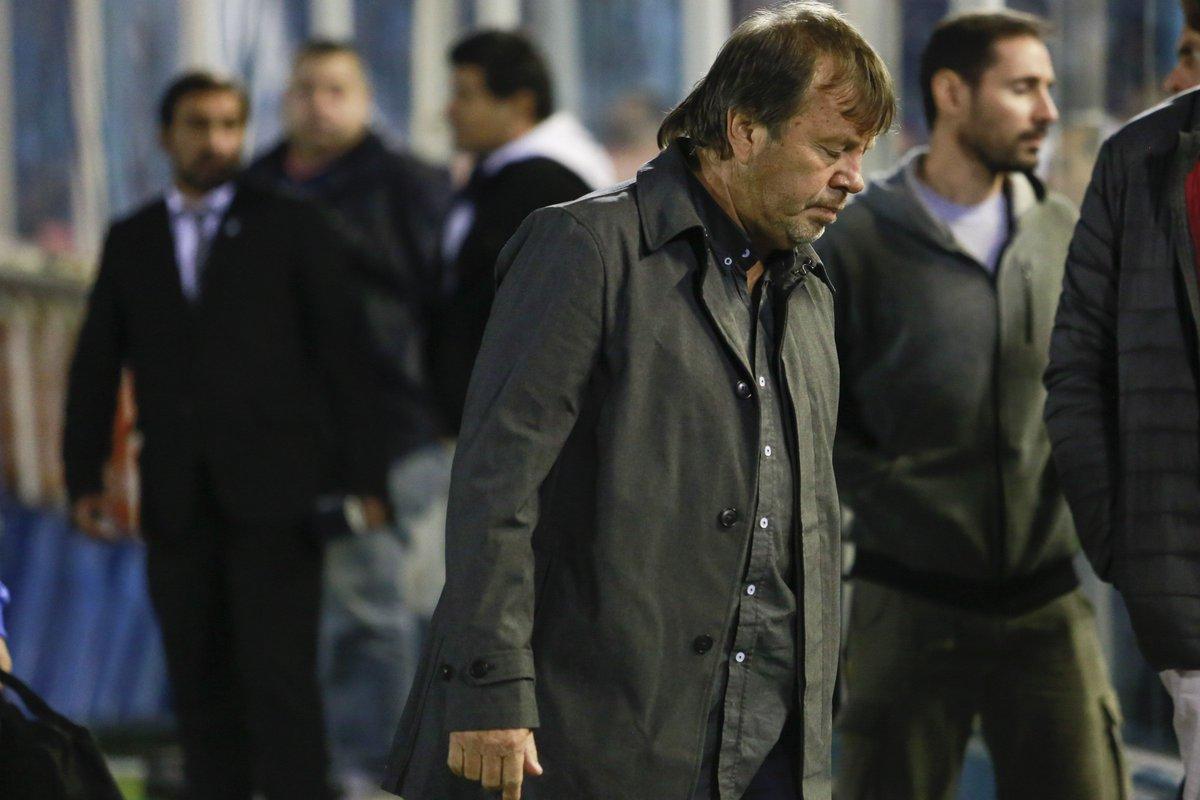 El DT Ricardo Zielinski deslizó la posibilidad de continuar en Atlético Tucumán https://cablera.telam.com.ar/cable/785176/dt-zielinski-deslizo-la-posibilidad-de-continuar-en-atletico-tucuman…