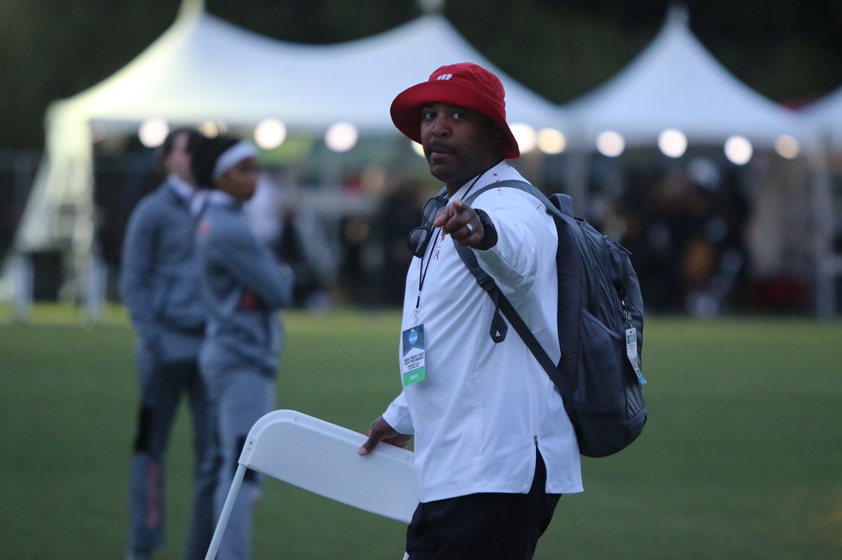 We know Coach Jackson is ready for the final two events for the #Badgers tonight! 10:45 PM CT - Men's 5K (McDonald, Miehe) 11:25 PM CT - Women's 4x4