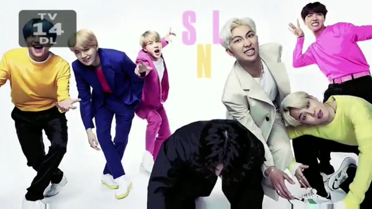 They&#39;re performing @BTS_twt @nbcsnl still this one is one of my fav performance #BTSonSNL <br>http://pic.twitter.com/drTFD70GKU