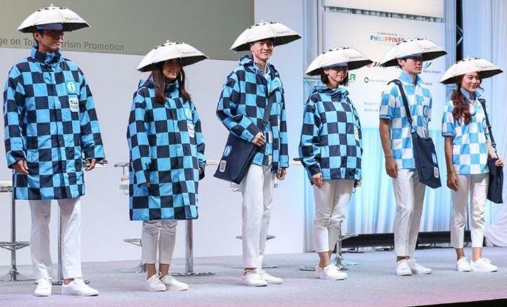 東京五輪のボランティアはこんなスタイルでやらされるらしいが、やはり何かの罰ゲームなんだろうな。<br /> <br />