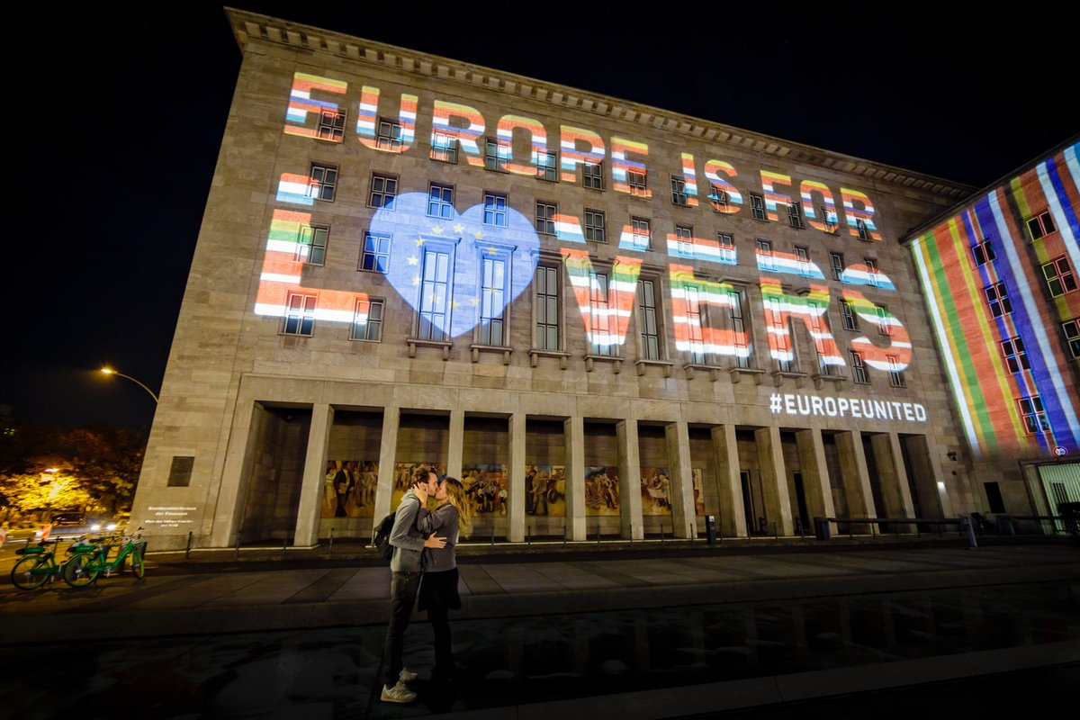 Show your love for #Europe🇪🇺 today. #GehtWählen #GoVote #VoteTogether #VoteForEurope #Europawahl2019 #EP2019 #EUElections2019 #EuropeUnited