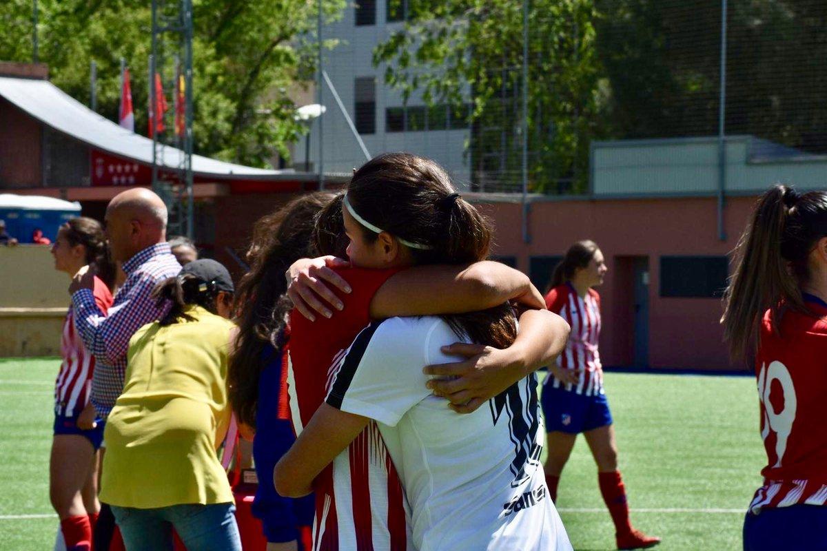 La amistad siempre por encima de la rivalidad 👏👏👏👏 Grandes jugadoras pero mejores personas @LorenaReina_14  y @anitamarcos09  #FutFem