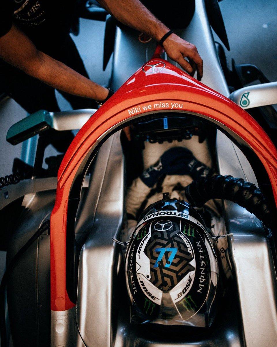 Today is for Niki 🔴🏁  #VB77 #DankeNiki #MonacoGP  @MercedesAMGF1 @F1  📸 @paulripke