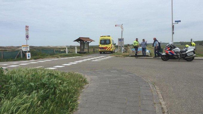 Monster 2e aanrijding van vandaag Wielrenner / Auto  Slachtoffer fietser lig in de ambulance. https://t.co/fprYd19T3N