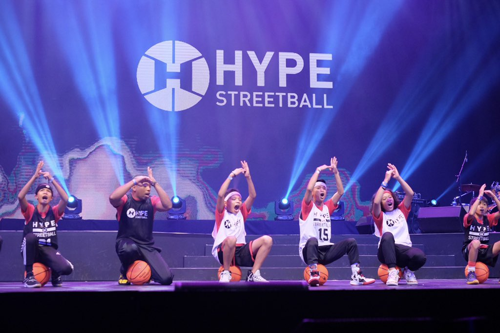 Hype Streetball doing what they do best: getting the audience ~hyped~ up with their mad skills at #YTFFPH 🏀