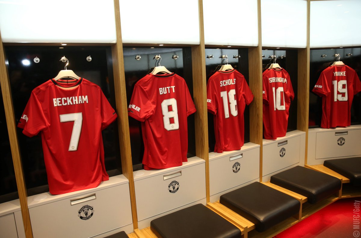 Manchester United On Twitter Treble99 Reunion Dressing Room Vibes