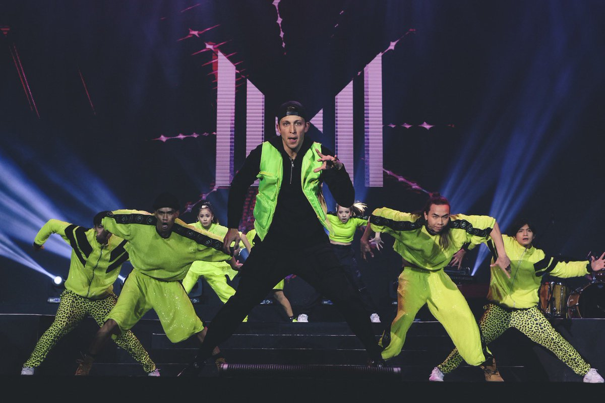 ⚠️ High voltage zone ⚠️ @mattsteffanina brings next-level energy to #YTFFPH with his electric dance moves.