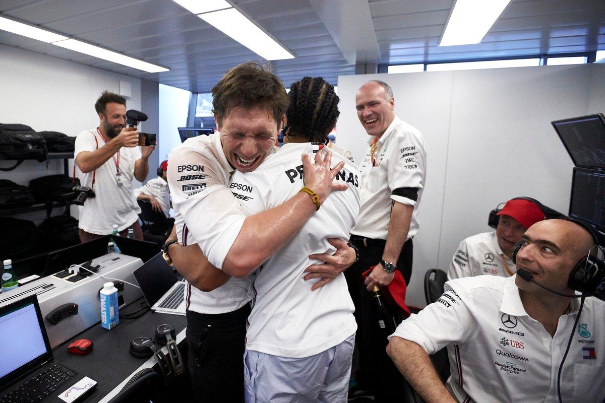 """😂 """"That's for putting me on the medium tyres for 68 laps!""""  #MonacoGP @LewisHamilton"""
