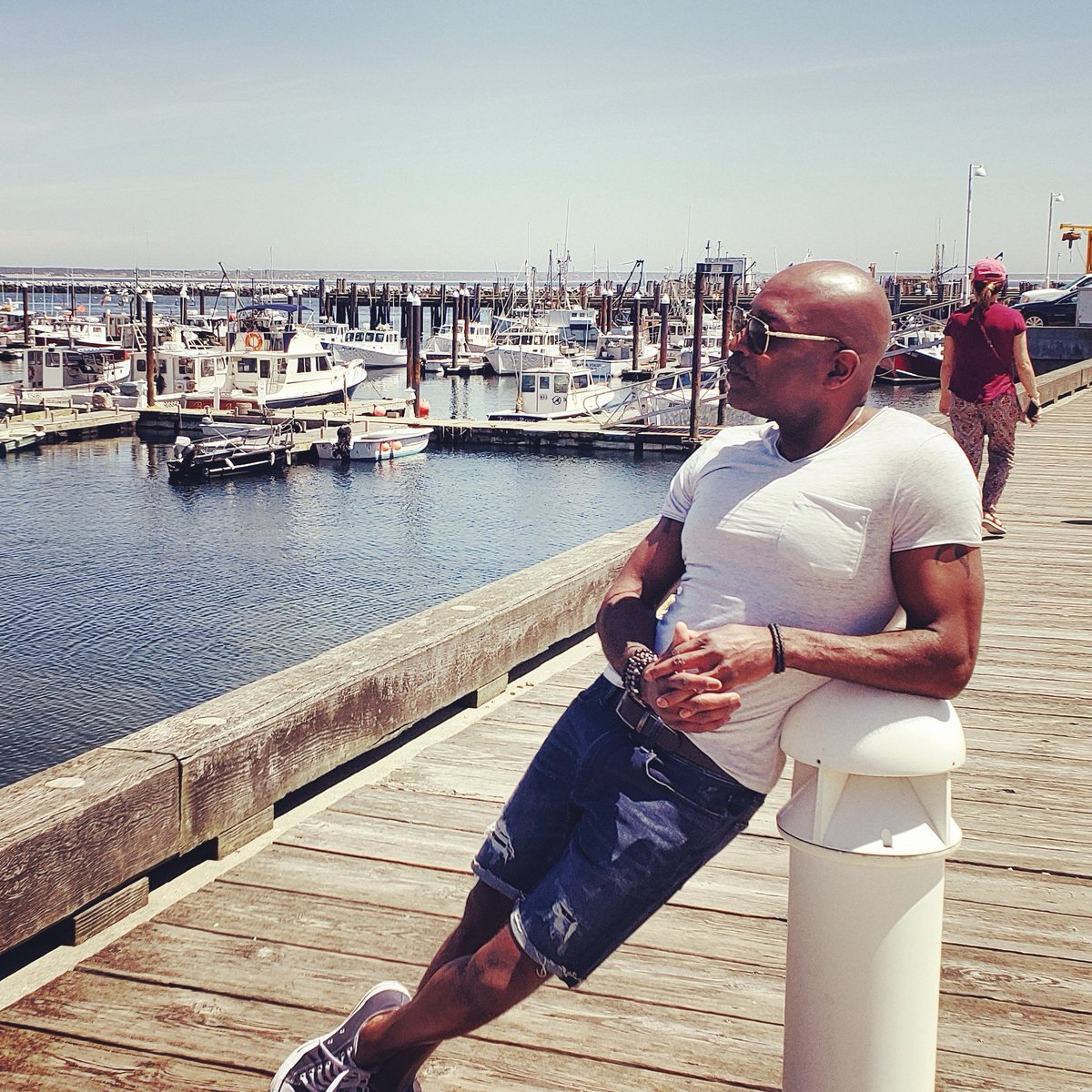 Be Happy. Be Positive. Be Well. ❤🙏🏽 #memorialdayweekend #ptown #boyatthebeach #yesihavesunblockonmybaldhead https://t.co/SiqdcycP6W