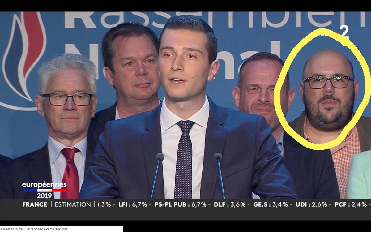 Pour ceux qui ne le connaissent pas, voici Philippe Vardon néonazi notoire, fondateur du Bloc Identitaire, ancien d'Unité Radical dont un sympathisant avait tenté d'assassiner Chirac en 2002 et directeur com du FN pour les #Electionseuropeenne2019. Un parti respectable quoi.