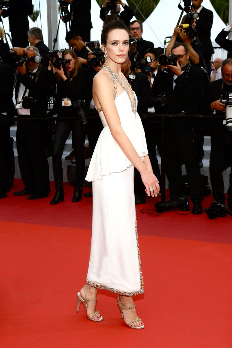 #CHANELinCannes — actress and member of the CineFoundation jury, Stacy Martin wore a silk dress from the Spring-Summer 2016 #CHANELHauteCouture collection on the #Cannes2019 red carpet. #CHANELinCinema More on http://chanel.com/-T_Cannes19