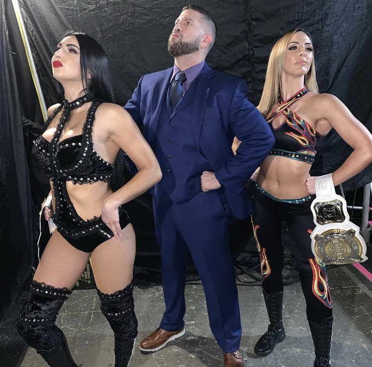 Hurriconics! @PeytonRoyceWWE  @BillieKayWWE  I might have to get back in the Managing game. 🤔 😁 🤷🏻‍♂️