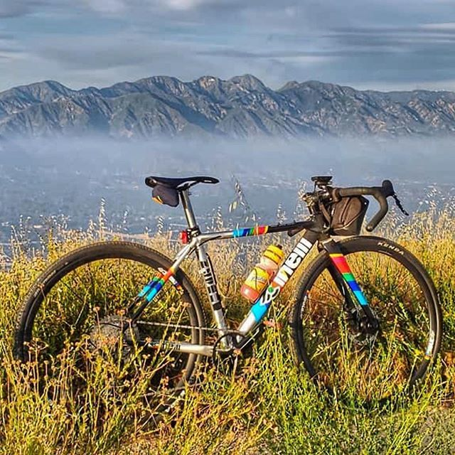 Only those who will risk going too far can possibly find out how far one can go. ... Zydeco will help you to discover new possibilities. 📸 by @alvanized #cinellizydeco #cinelliusa #cinelli #happytomakeanotherriderhappy #peaceandbike #keeponbikinginth… http://bit.ly/2JFp4LV