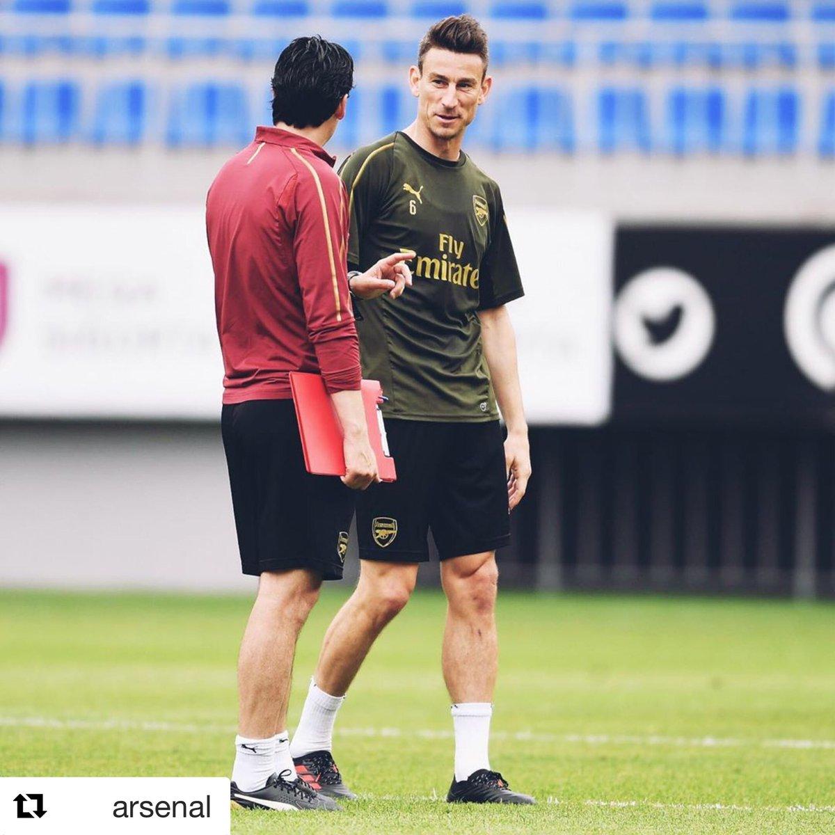 First Baku session 🤙🏻 @Arsenal https://t.co/YRyh5xNzJm