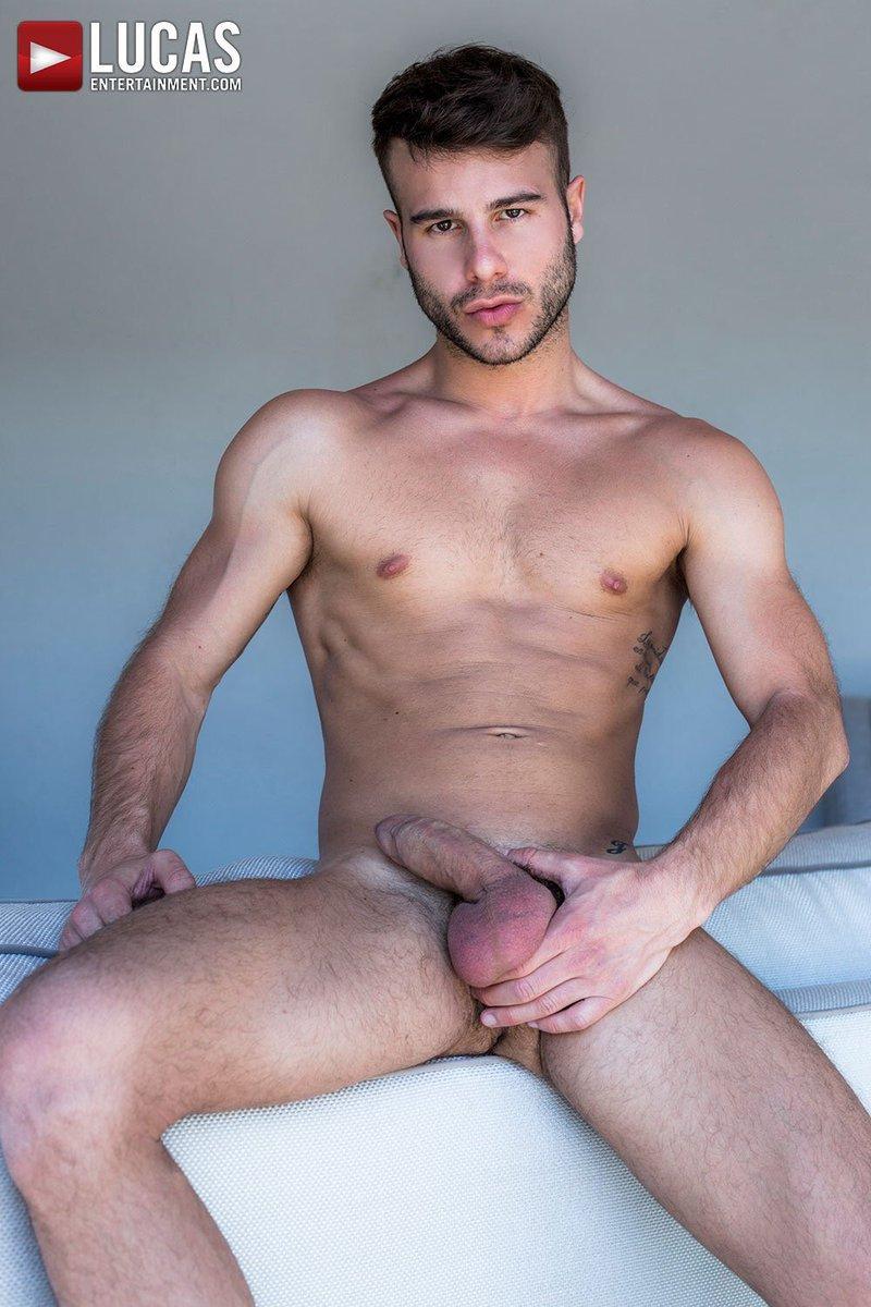 Nicco ciel gay porno image d'un énorme pénis