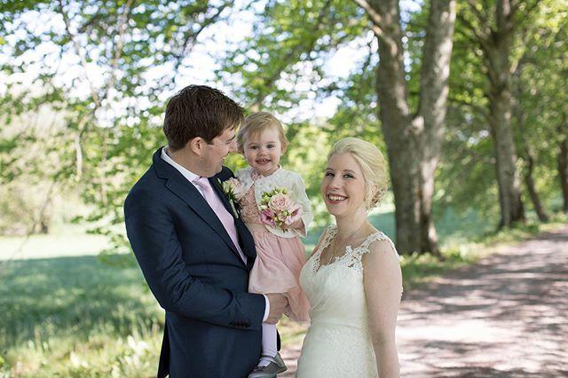 5b5c2ef75077 #bröllop #wedding #bröllopsklänning #bröllopsinspo #weddinginspo #linköping  #linköpinglive #bröllopsfoto #bestofweddings #bestofscandinavia #merali… ...