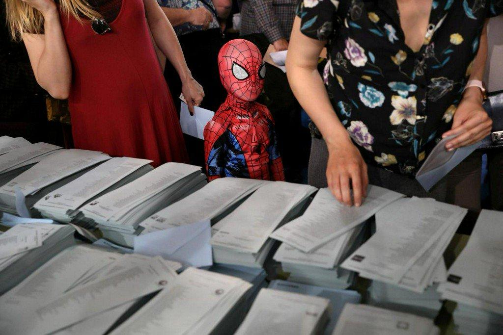 Spain's Socialists win EU, local ballots in boost for Sanchez http://www.reuters.com/article/us-eu-election-spain-idUSKCN1SW0R2?utm_campaign=trueAnthem%3A+Trending+Content&utm_content=5ceb171c2866ef00011c951d&utm_medium=trueAnthem&utm_source=twitter…